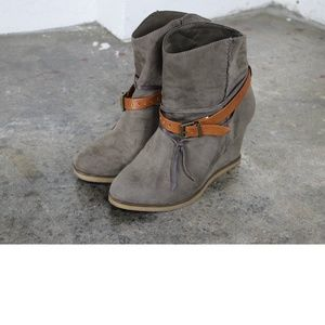 Mia wedge suede ankle boots